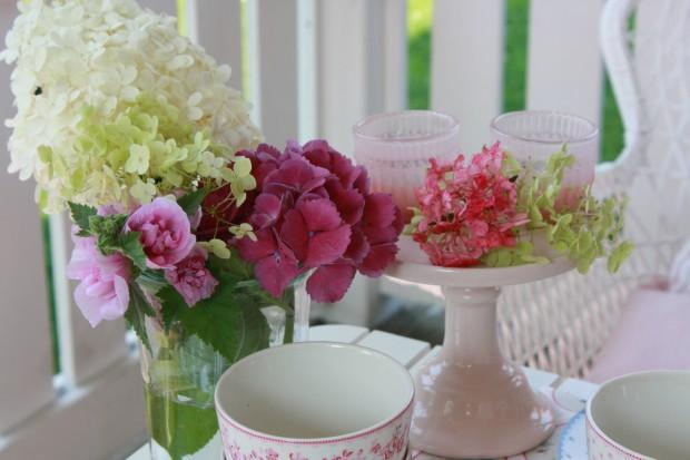 Kaffee mit Blumen