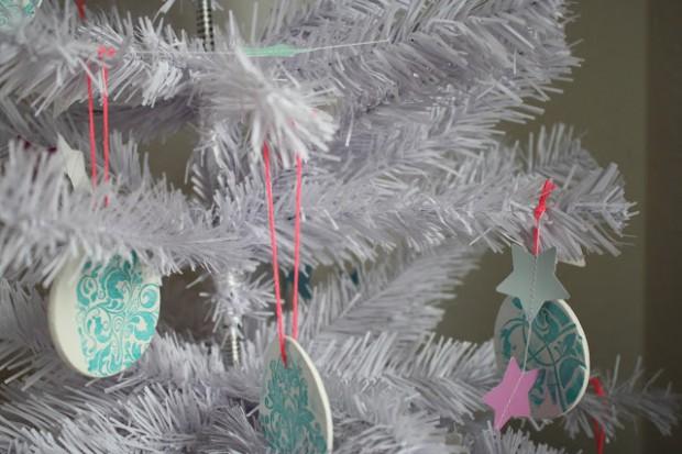 Weihnachtskugel_Bournout
