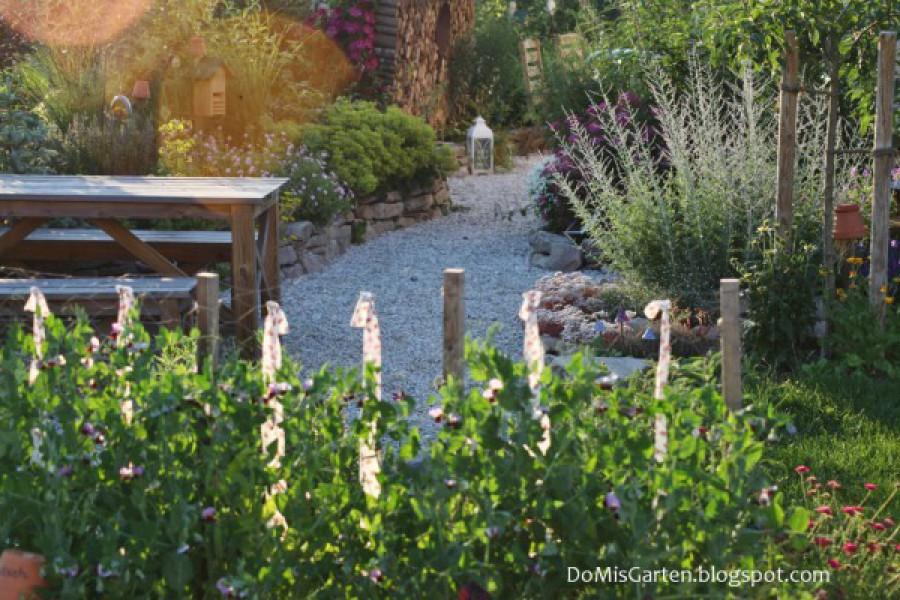 Gartenwege mit Wuchs