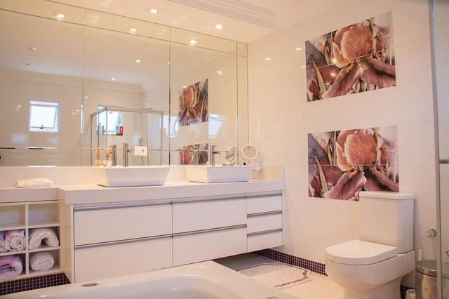 Modernes Bad: Mit diesen 5 Tipps klappt es - StadtLandFlair