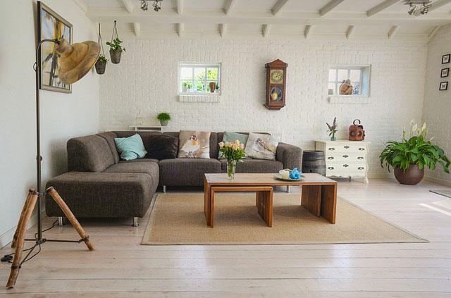 Sisalteppich im Wohnzimmer
