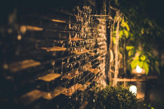 Verspielte Gartenbeleuchtung