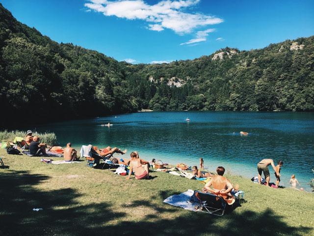 Campingplatz mit See