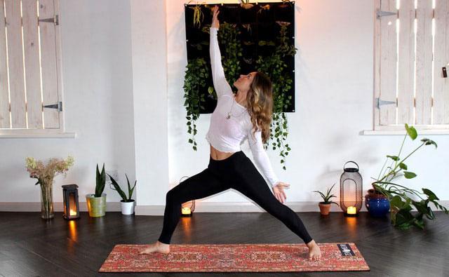 Yoga Zuhause Ecke einrichten