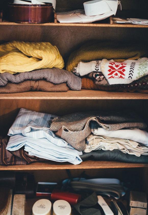 Aufgeräumter Kleiderschrank Ordnung