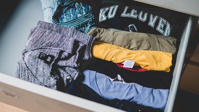 Ordnung Schubladen Shirts