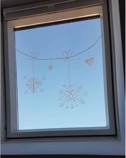Fenster bemalen Kreidestift